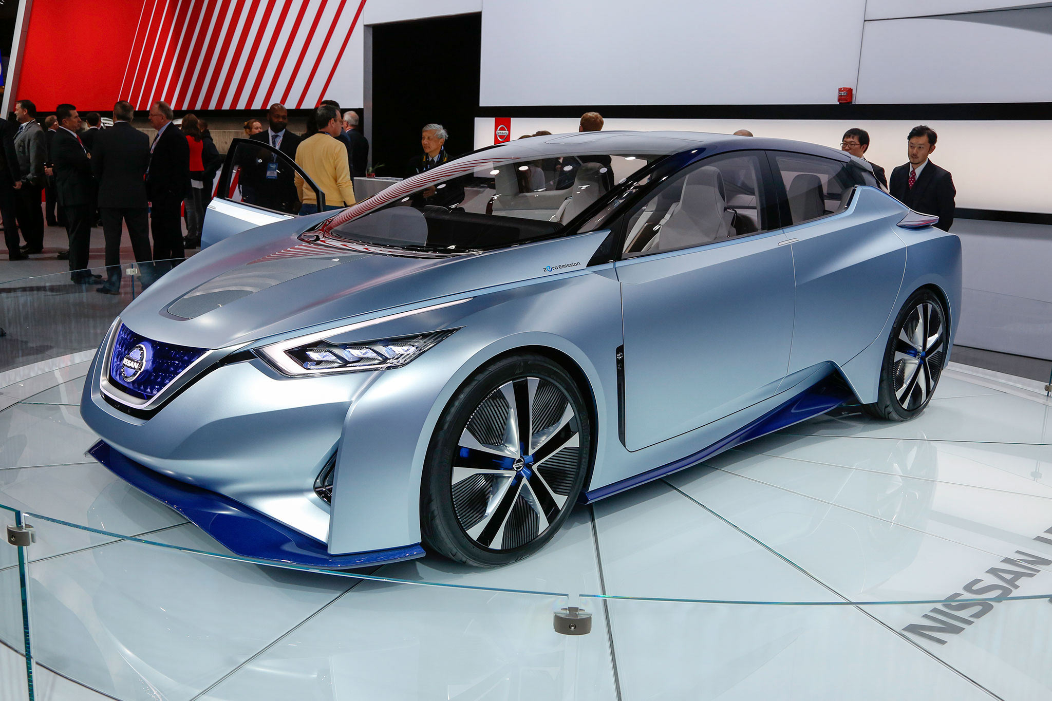 Nissan IDS Concept front three quarter
